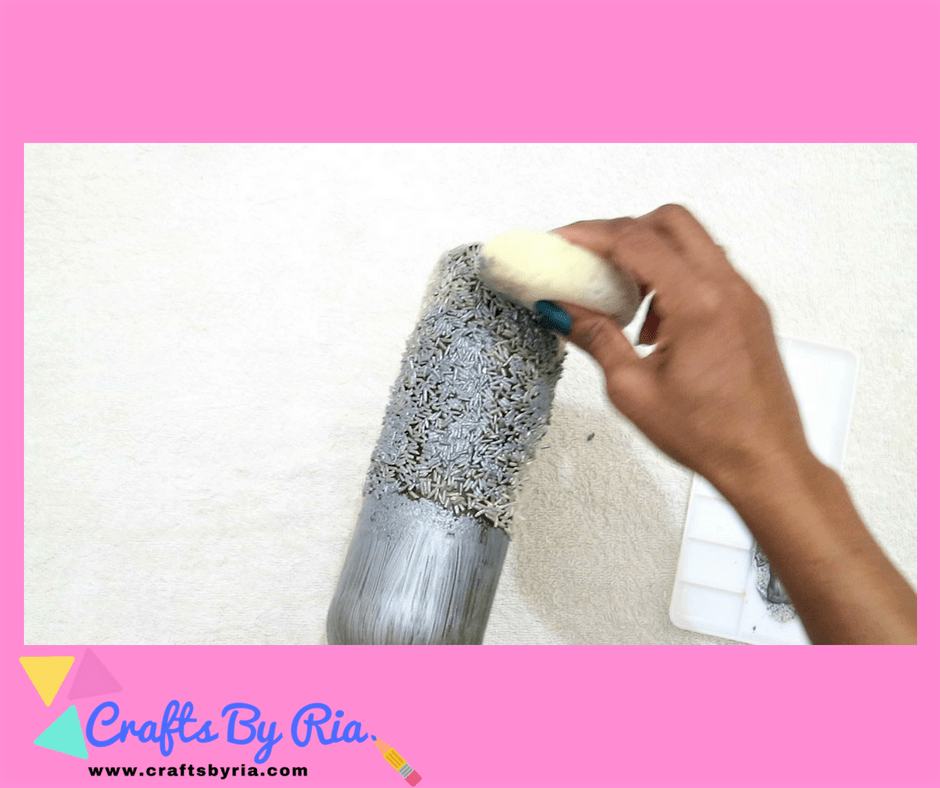 apply the metallic acrylic paint with a sponge on the rice