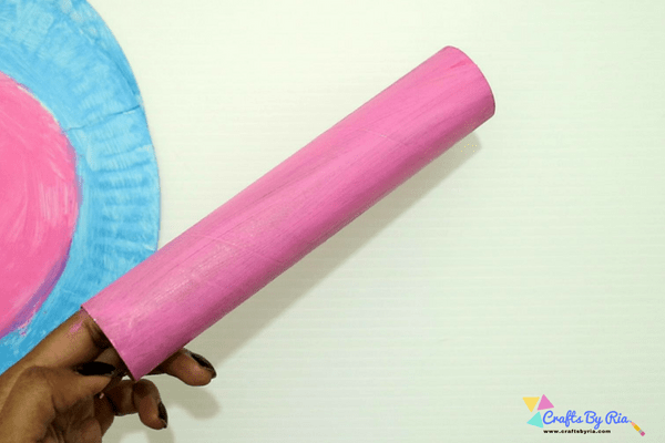 paper plate merry go round craft-paint the paper roll
