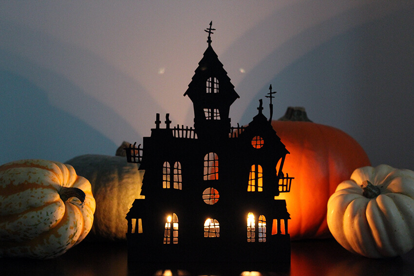 cheap Halloween decoration ideas-haunted house