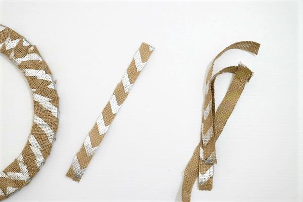 diy halloween wreath-step2-cut ribbons