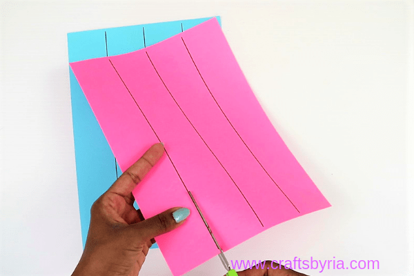 dragon puppet craft-step1- cut paper template