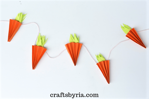 accordion carrot garland