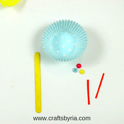cup cake liner butterfly craft for kids-step1