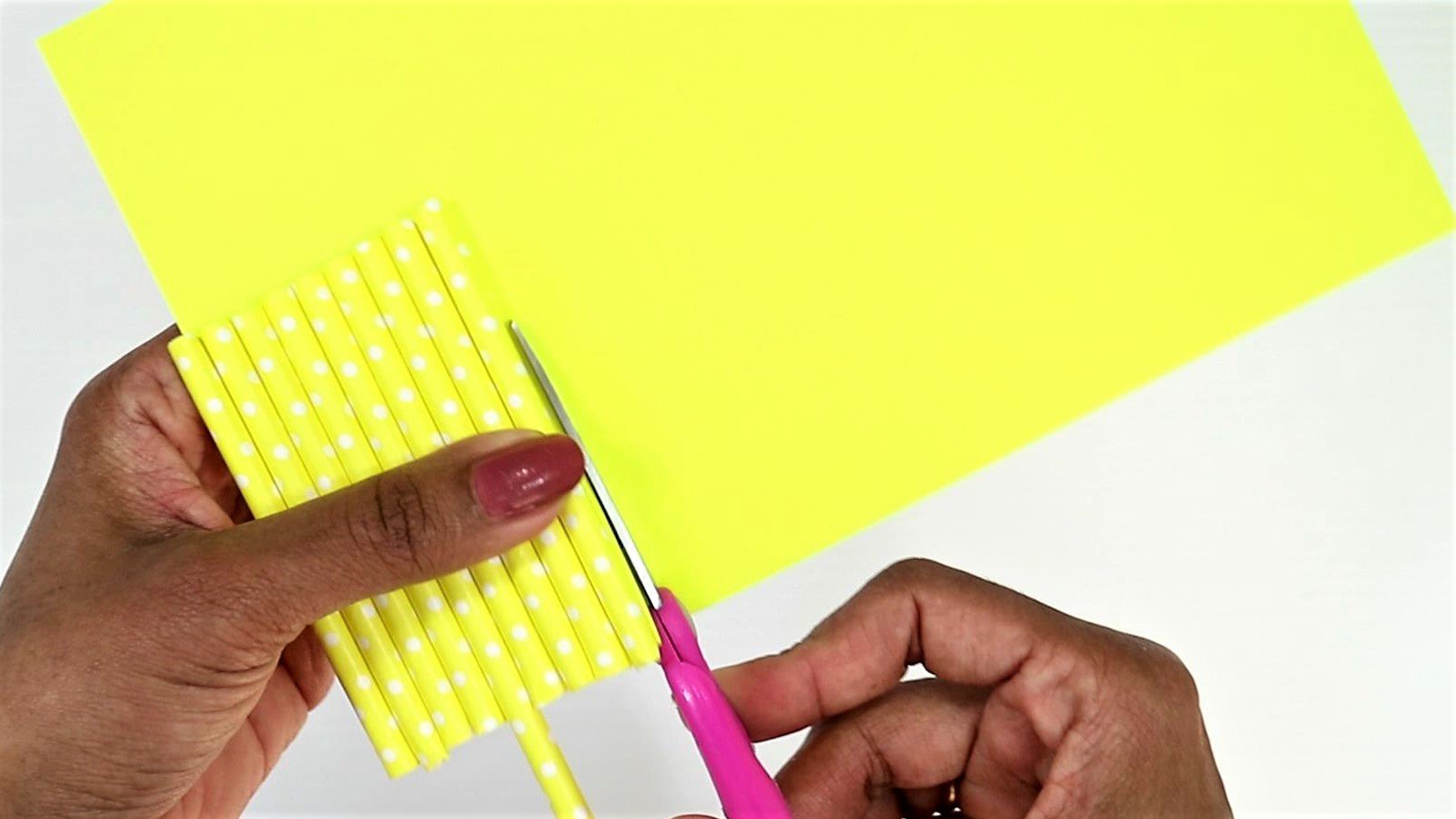 easy monster craft for kids with paper straw-step6
