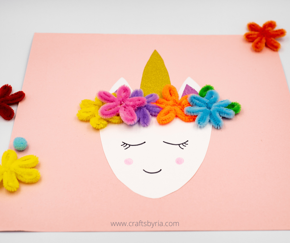 Easy unicorn craft for kids using paper and pipe cleaner flowers
