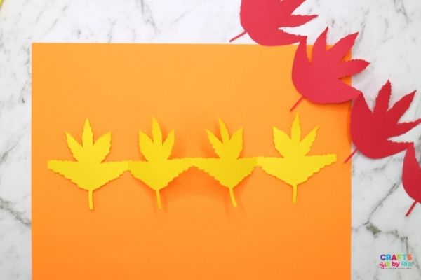 easy fall leaf paper chain craft is ready